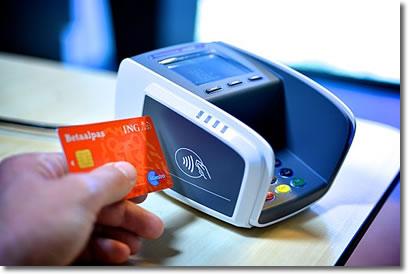 Cómo proteger las tarjetas bancarias NFC para evitar pagos indeseados