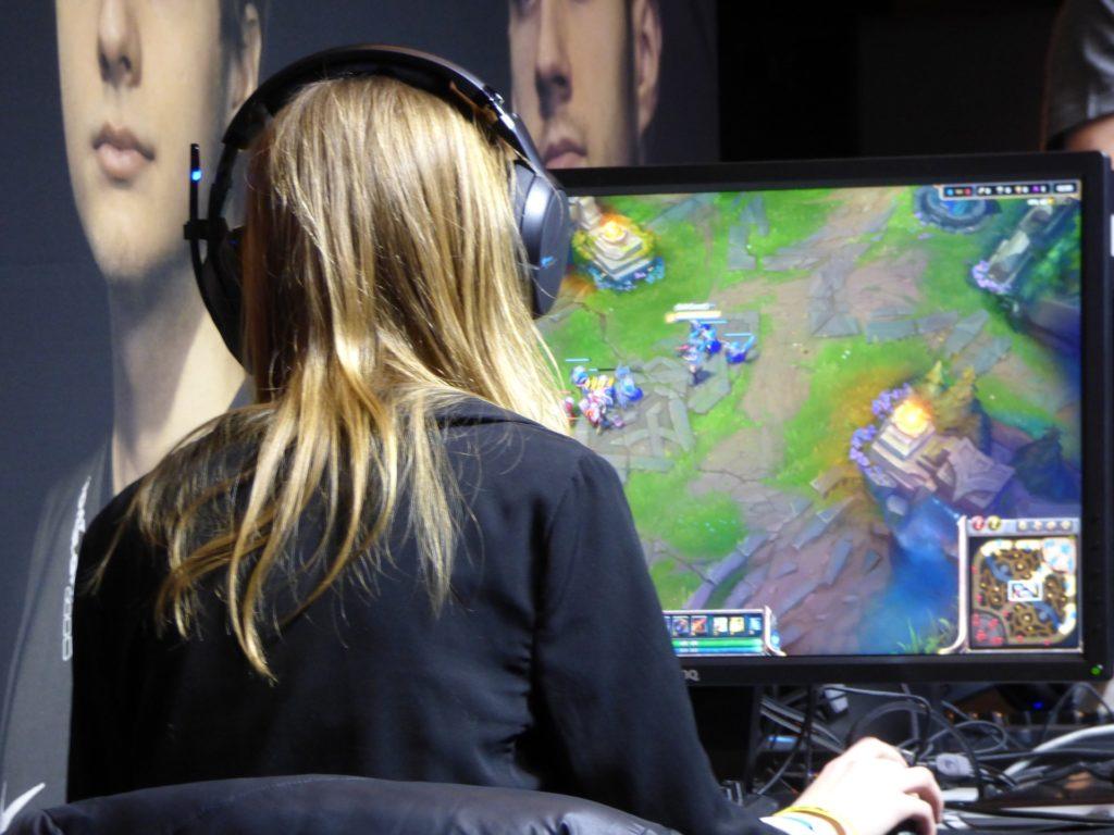 Descargar juegos gratis puede poner en riesgo nuestros dispositivos.